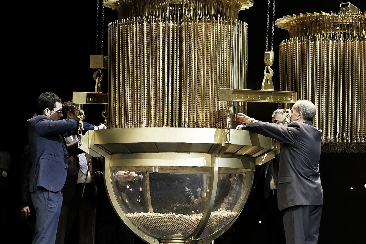 Большая игра: зачем испанцы ежегодно покупают лотерейные билеты | публикации | вокруг света