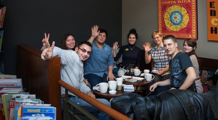 Где бесплатно учить языки, смотреть кино и слушать лекции: 7 центров припосольствах в москве