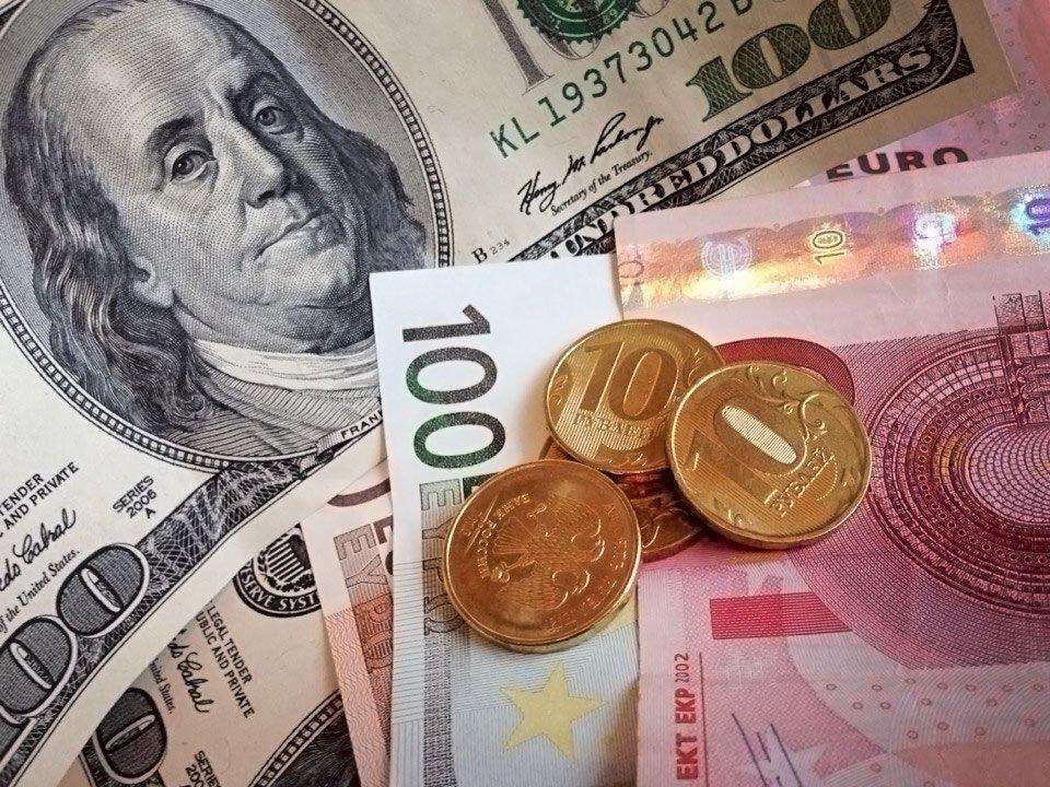 1000000 рублей в долларах